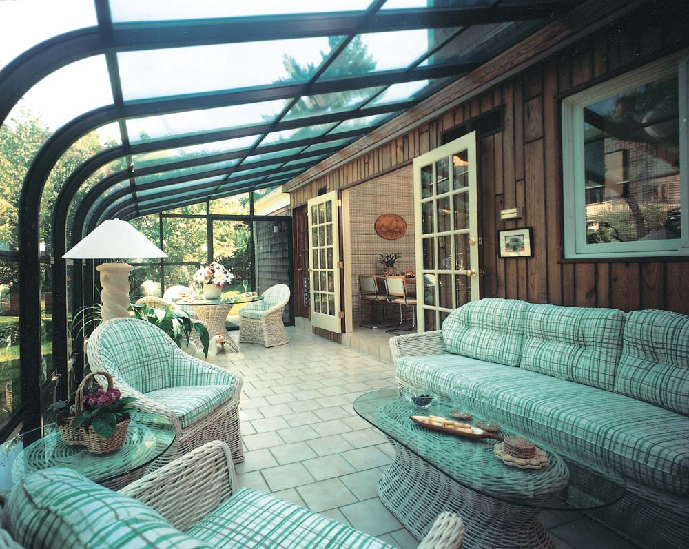 Curved Glass Sunroom